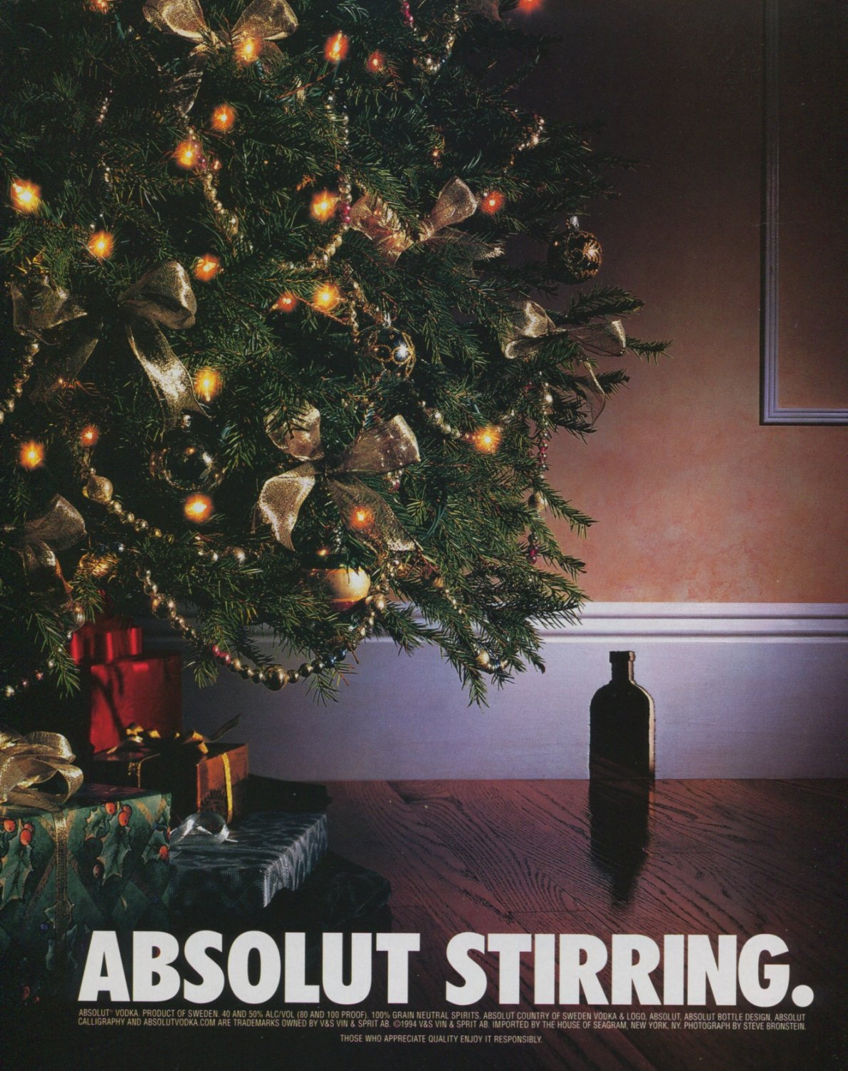 Absolut Stirring Mouse Hole Absolut Vodka Ad Advertisement Christmas Holiday Advert