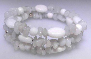 New White Agate oval bead and light gray Quartz chip bead bracelet