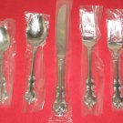 WALLACE SILVERSMITHS FINE 18/10 STAINLESS CHATHAM 5PC PLACE SET NEW.