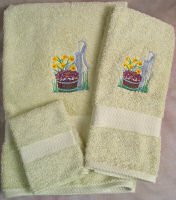 Embroidered Violets and Water Pump on Light Green Wash Hand Bath Towel Set