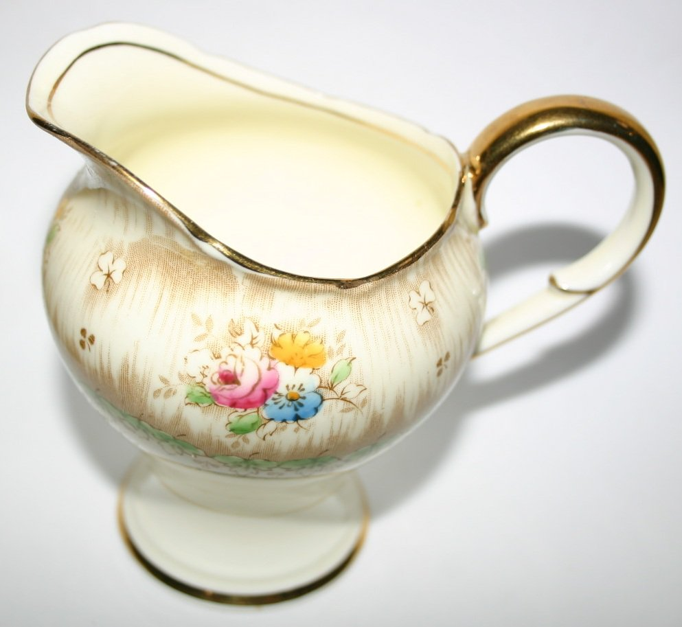 Paragon Virginia Antique Creamer Jug 1935 Fine China