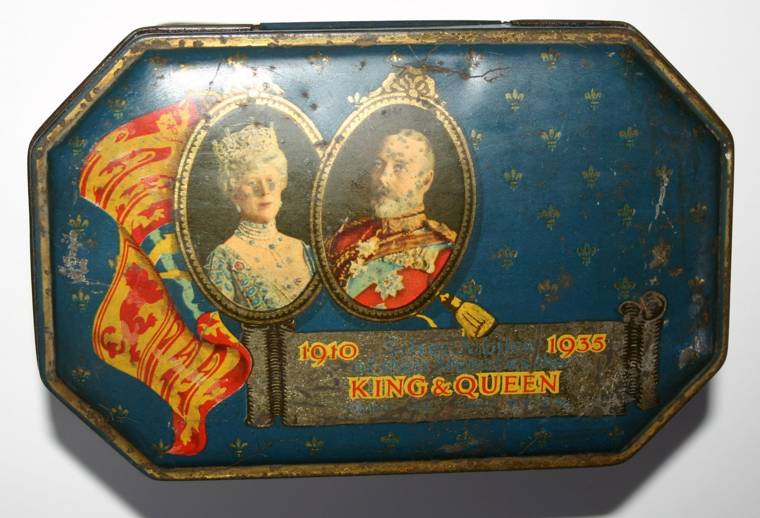 Antique Tin Commemorating The Silver Jubilee 1910 to 1935 King George and Queen