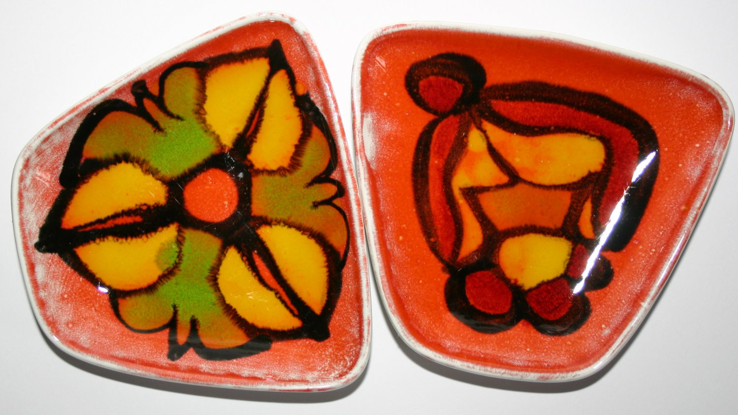 Pair of Poole Pottery Vintage Small Bonbon Pin Dishes