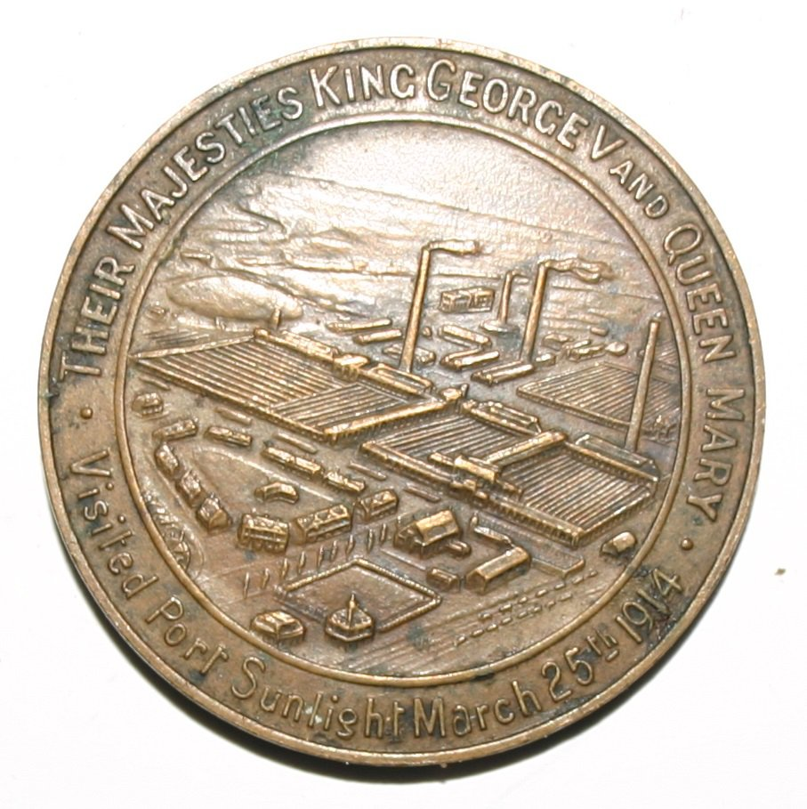 Rare Commemorative King George and Queen Mary Bronze Medallion Port Sunlight 1914