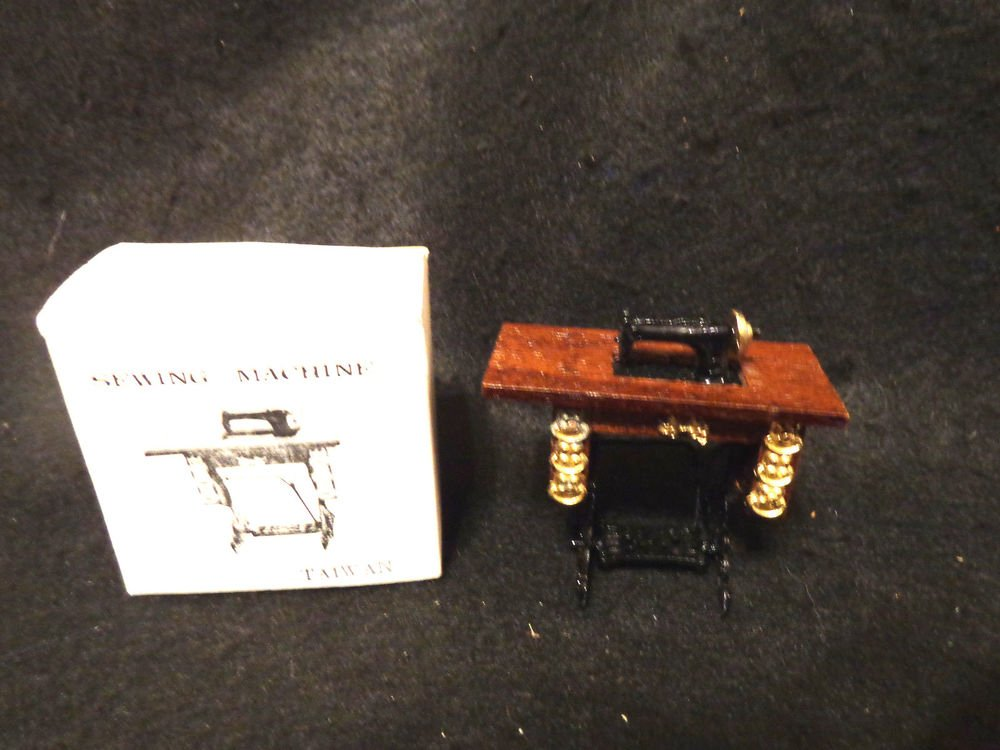 Dollhouse Miniature Furniture Sewing Machine  Has Original Box  Peddle Style