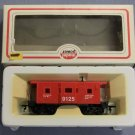 MODEL POWER #8240 HO SCALE 9125 BAY WINDOW CABOOSE TRAIN CAR