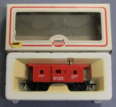MODEL POWER #8240 HO SCALE 9125 BAY WINDOW CABOOSE TRAIN CAR
