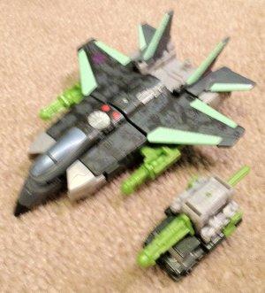 Transformers Armada Thrust with Inferno Minicon
