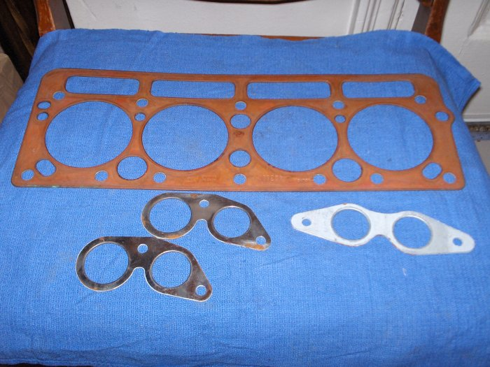 VOLVO PENTA head  gasket set 4 cylinder nr   COPPER !  403832 / 402833