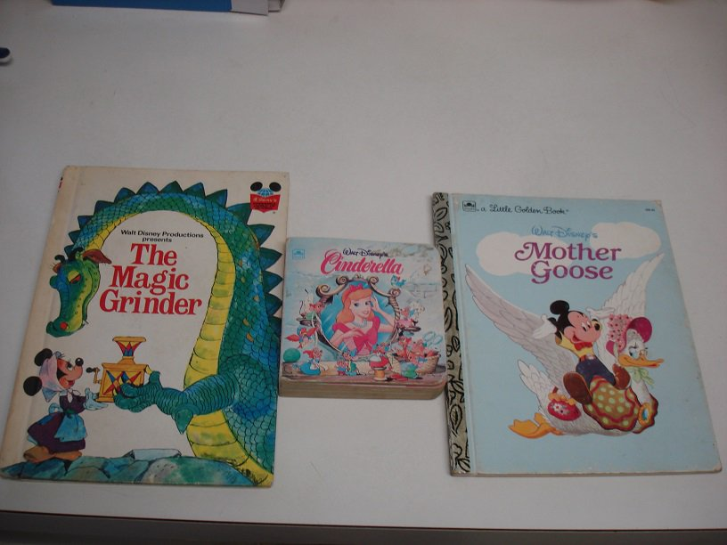 DISNEY MINI BOARD BACK & GOLDEN BOOKS ~ Minnie & Cinderalla !