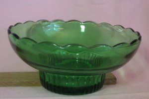 Vintage E.O. BRODY CO. PEDESTAL CANDY DISH, Green Glass, Excellent Condition