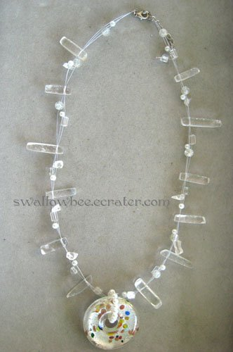 White Pendant Fashion Necklace