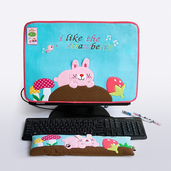 KT-BE-16-BLUE[Strawberry] Fabric Art 17 inch Monitor Screen Cover & Wrist Rest Pad