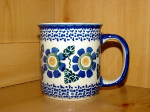 Polish Pottery Coffee Cup In Big Daisy  Boleslawiec Poland
