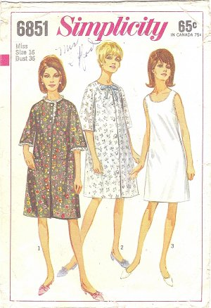 Simplicity #6851 Misses 1960s Robe or Duster Coat and Slip Set Bust 36 Pattern