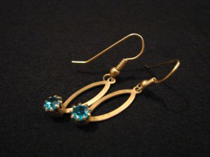 Vintage Gold Tone Aqua Teal Green Zicon Rhinestone Pierced Earrings