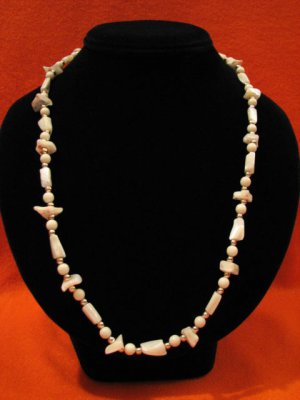 Vintage White Mother of Pearl Stone Beaded Necklace 25 Inches Long
