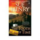 FREE SHIPPING ! The Tooth of Time: A Maxie and Stretch Mystery (Paperback –  2007) by Sue Henry