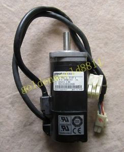 OMRON servo motor R7M-A10030-S1 good in condition for industry use