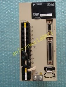 Yaskawa SERVOPACK SGDS-08A01AR good in condition for industry use