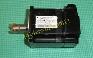 Yaskawa AC servo motor SGMAS-02A2A21 good in condition for industry use