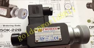 NEW TWOWAY pressure switch DNA-030K-06I good in condition for industry use