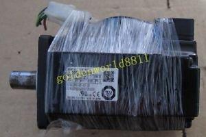 Yaskawa servo motor SGMJV-04AAA61 good in condition for industry use
