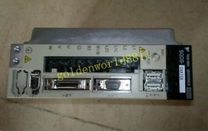 Yaskawa servo driver SGDS-04A15A good in condition for industry use