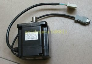 Used Yaskawa servo motor SGMPH-04AAA41 400W good in condition for industry use