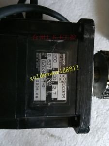 OMRON servo motor R88M-WP20030S-S1 good in condition for industry use