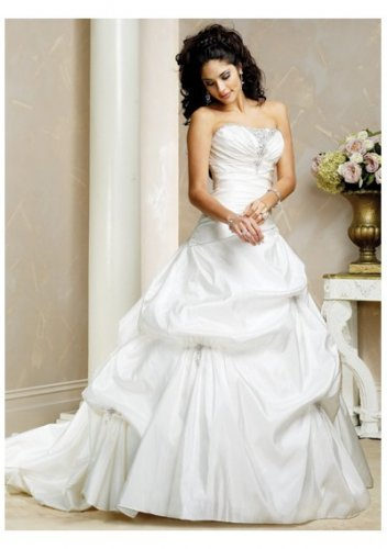 beaded trim neckline strapless wedding dresses
