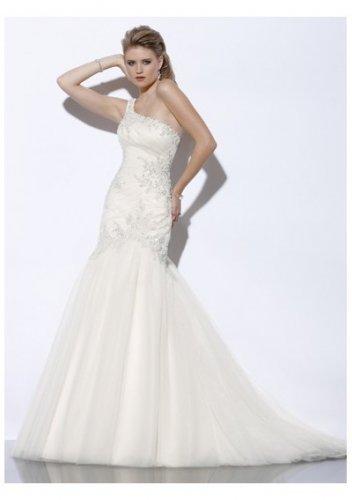 Trumpet applique one-shoulder wedding dresses