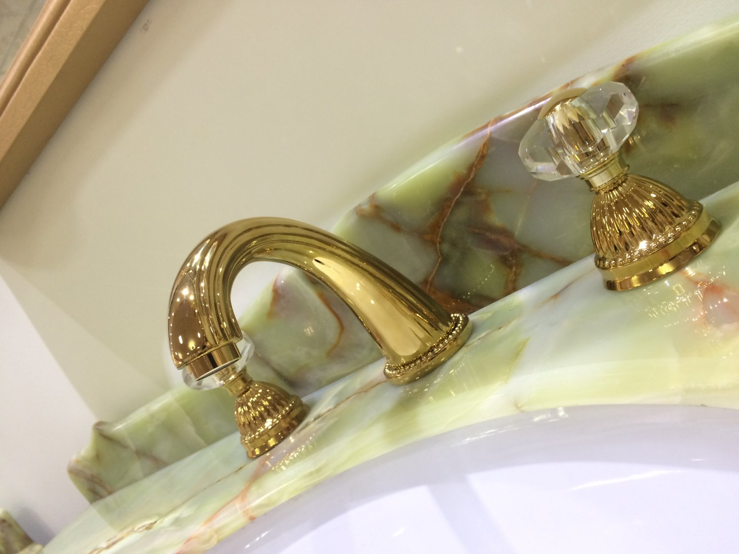 3 Holes widespread bathroom Lavatory Sink faucet Crystal handles Mixer tap Gold clour deck mounted