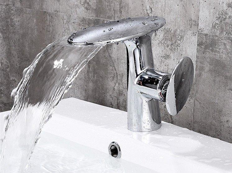 Chrome oval waterfall bathroom basin sink faucet tap deck mount single hole Mushroom mixer tap