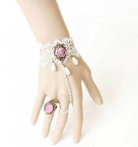 Vintage White Lace Faux Teardrop Pearl Pink Rose Flower Slave Ring Bracelet