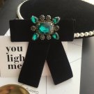 Vintage Winter Velvet Fashion Crystal Acrylic Tied Green Bow Brooch Pin
