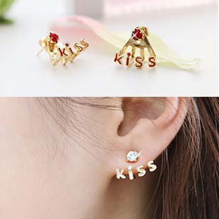 Kiss my ears Earring Tak Fung Hong Hk