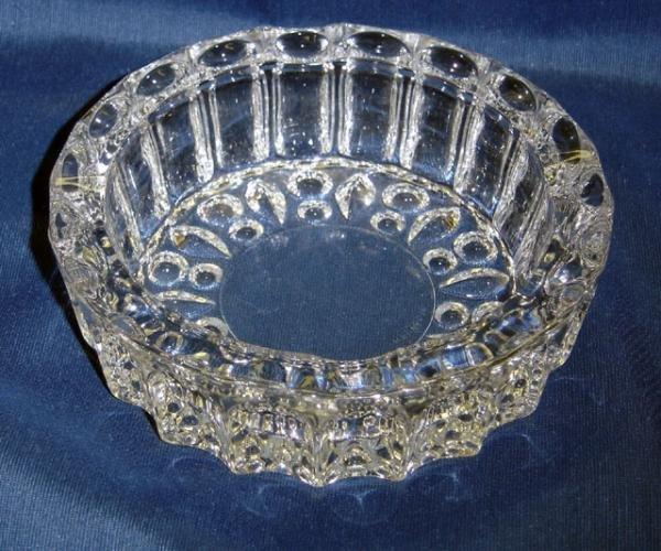Elegant Crystal Glass Ashtray  - Memory Lane Collectibles