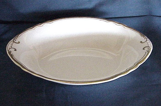Pope Gosser Oval Vegetable Bowl - White with Gold Trim