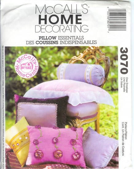 """M3070 McCall Pattern HOME DECORATING 11 STYLES """"PILLOW ESSENTIALS"""