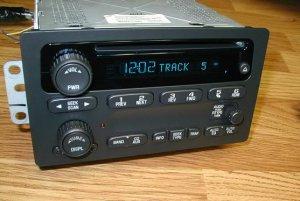 2003-06 CHEVY SUBURBAN TAHOE GMC YUKON CD PLAYER RADIO