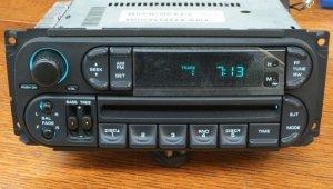 NEW OEM 1999-2001 CHRYSLER 300 300M TOWN&COUNTRY T&C INFINITY CD / CD-CNGR RADIO