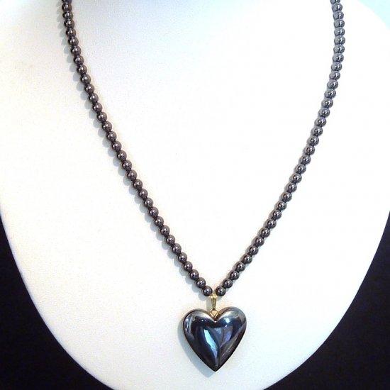 EB♦ HEMATITE HEART PENDANT ON A HEMATITE STRAND