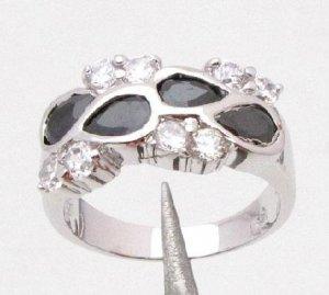 14KT White Gold Quartz Black CZ Ring Size 7.25