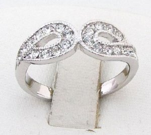 10KT White Gold Crystal Ring Size 6.25