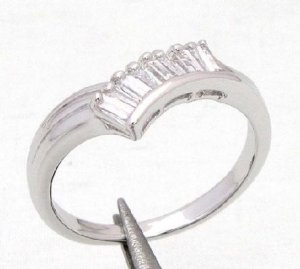 14KT White Gold Quartz Ring Size 7.25