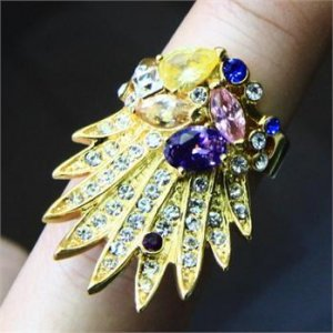 18K Gold Vogue Peacock Ring Size 7