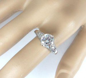 14K White Gold Zircon Ring Size 8 1/4