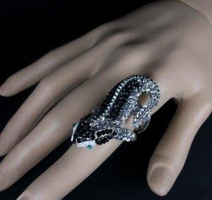 18K White Gold Plated Rhinestone Lizard Ring Size 8