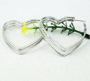 18K White Gold Heart Hoop Earrings